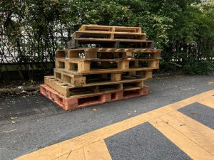「出荷用パレットは木製から金属製へ切替えて、いろいろお得に」
